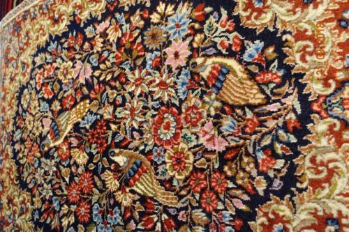 Mycket fin Persisk Kirman Ravar ca 120x55 cm perfekt som sängmatta det finns i par om man vill ha två st.
